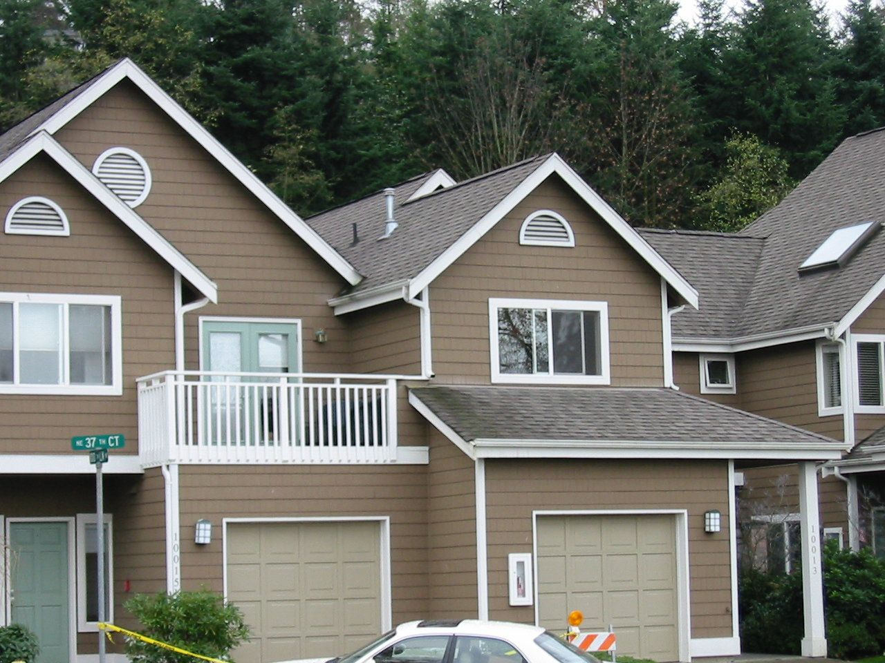 House Paint Otside Exterior Awesome Brown House Exterior Paint Idea With Balcony With Exterior Paint Colors For House House Paint Exterior House Exterior