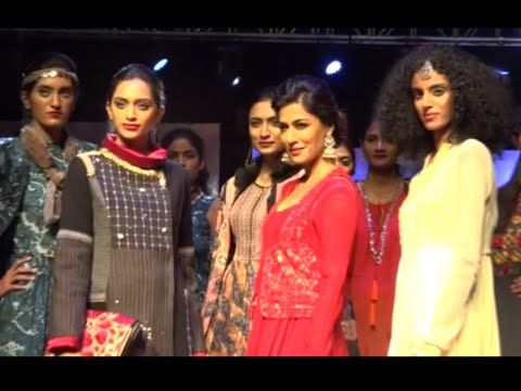 Fashion - Kuch Khaas Full Video Song Priyanka Chopra, Kangana 10