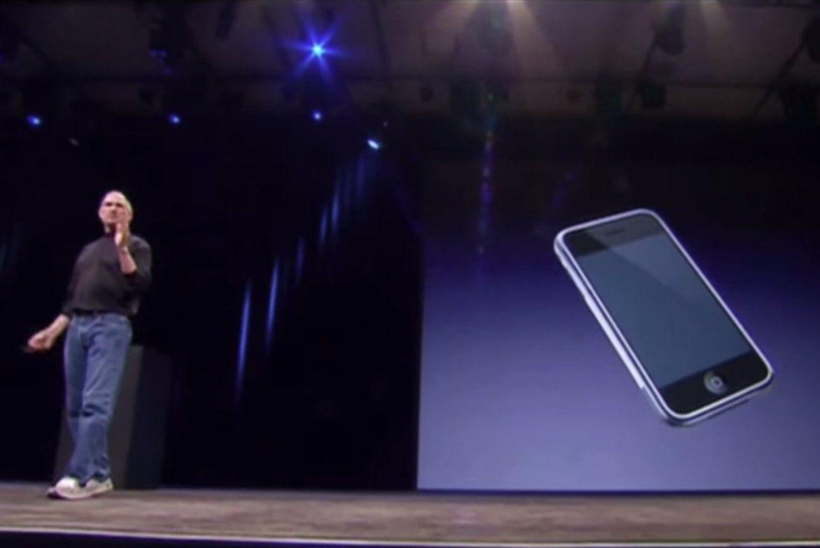 7 年前的今天,Steve Jobs 公布第一代 iPhone - http://chinese.vr-zone.com/97871/7-years-ago-steve-jobs-introduces-original-iphone-01102014/