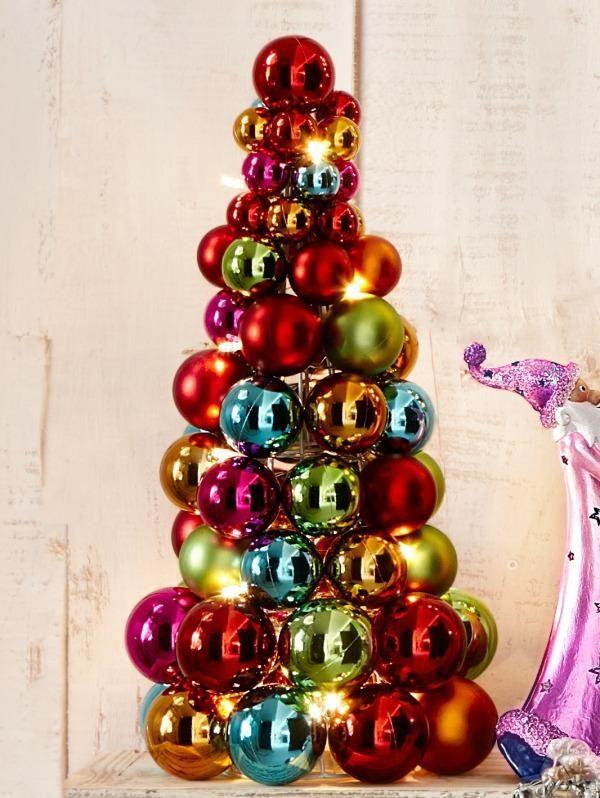 Piramide Van Gekleurde Kerstballen Kerstballen Kerstversiering Kerst Ideeen