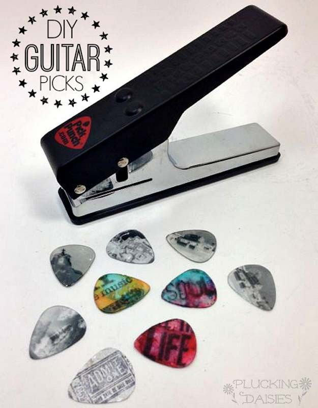 32 Diy Gifts For Your Boyfriend Custom Guitar Picks Guitar Picks Diy Gifts For Boyfriend