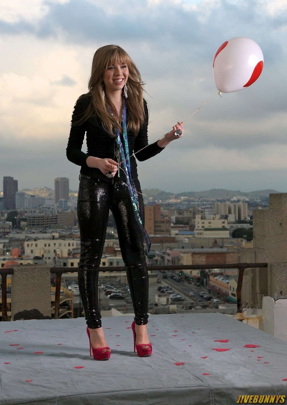 Picture ID. 1756623 | Jennette mccurdy, Leather pants