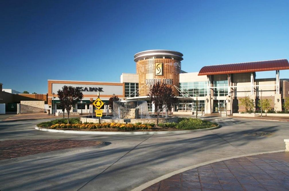 Summit Mall Stores >> Summit Mall First Mall In Akron I Worked There At People S