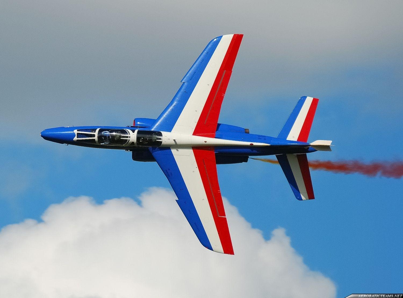 patrouille de france flying aerobatics pinterest. Black Bedroom Furniture Sets. Home Design Ideas