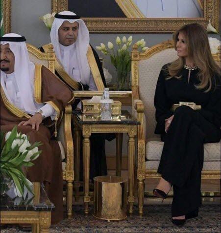 فضيحة كبرى تسبب بها مترجم الملك سلمان أثناء زيارة ترامب للسعودية حيث قام مترجم سلمان بالبحلقة الشديدة وتثبيت نظره على زوجة ترامب بطريقة عجيبة و Accounting