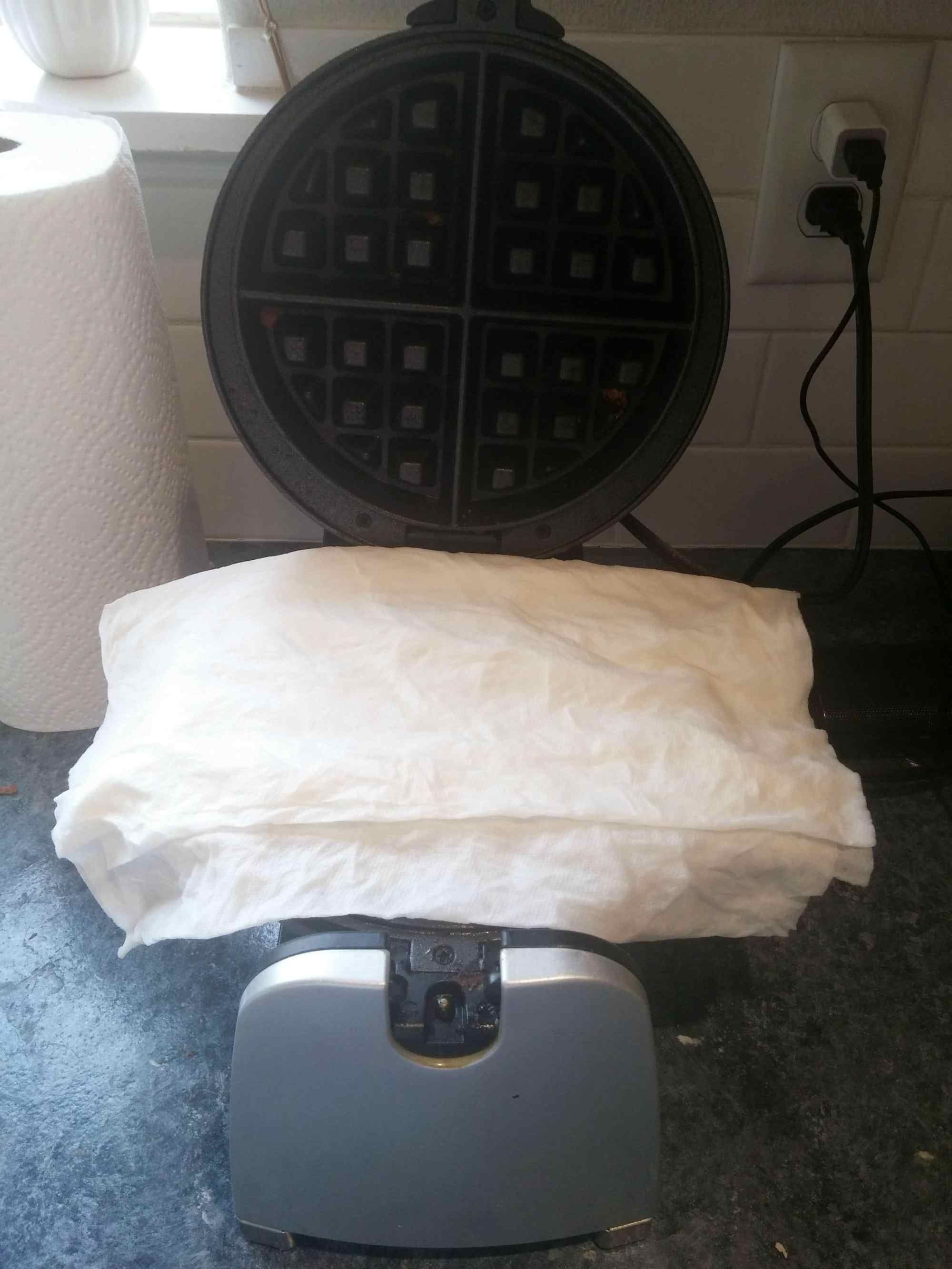 How To Clean A Waffle Iron Effortlessly Waffle Iron Cleaning Hacks House Cleaning Tips