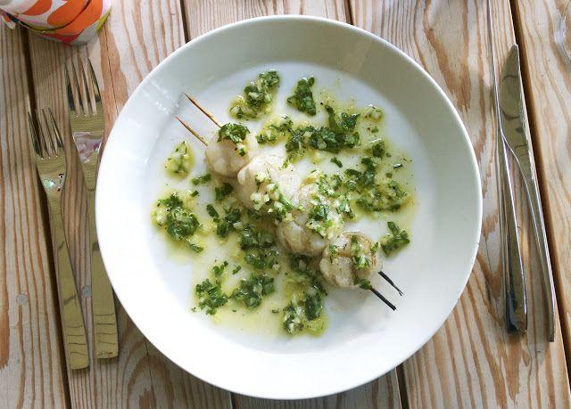 Blond Kitchen: Kampasimpukoita ja salsa verde -kastiketta