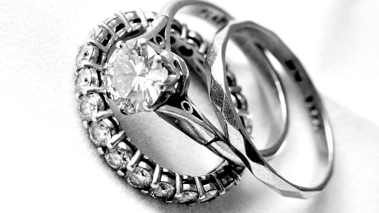 حلمت اني انخطبت Wedding Rings Engagement Silver Rings