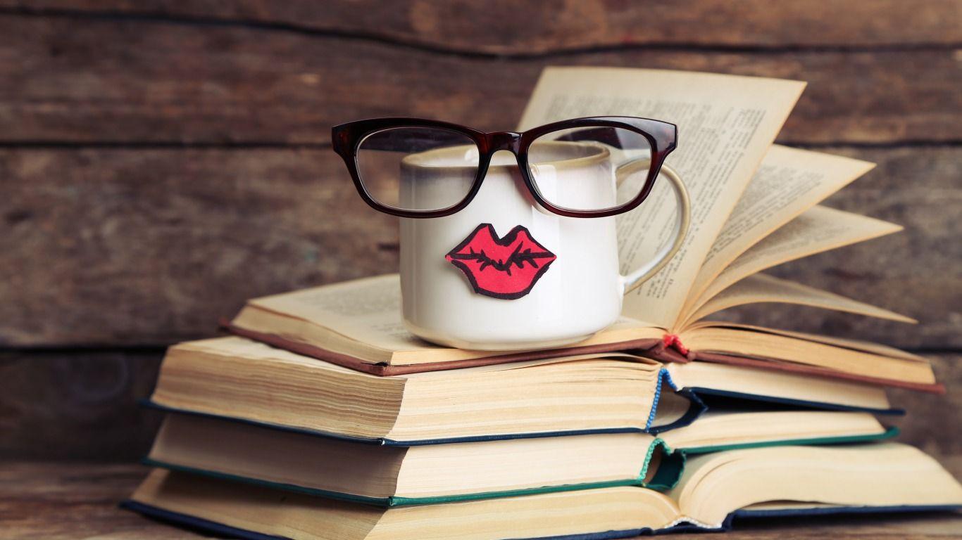 Скачать обои книги, кофе, очки, кружка, cup, lips, funny ...