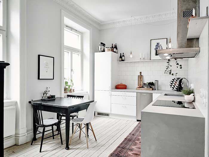Kolme kotia - Three Homes     Kolme moderniin tyyliin sisustettua kotia ruotsalaisen kiinteistönvälittäjän sivuilta.        Entrance       ...