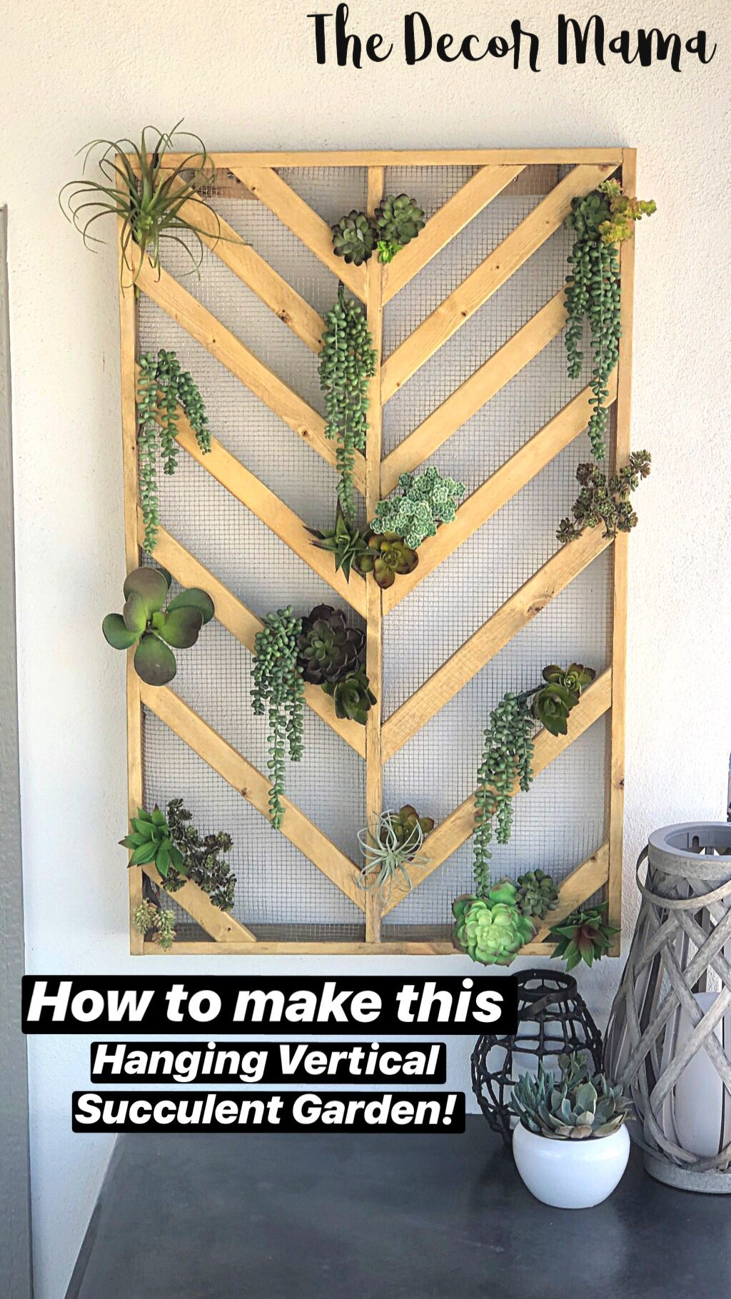 Diy Vertical Hanging Wall Planter With Images Succulent Garden