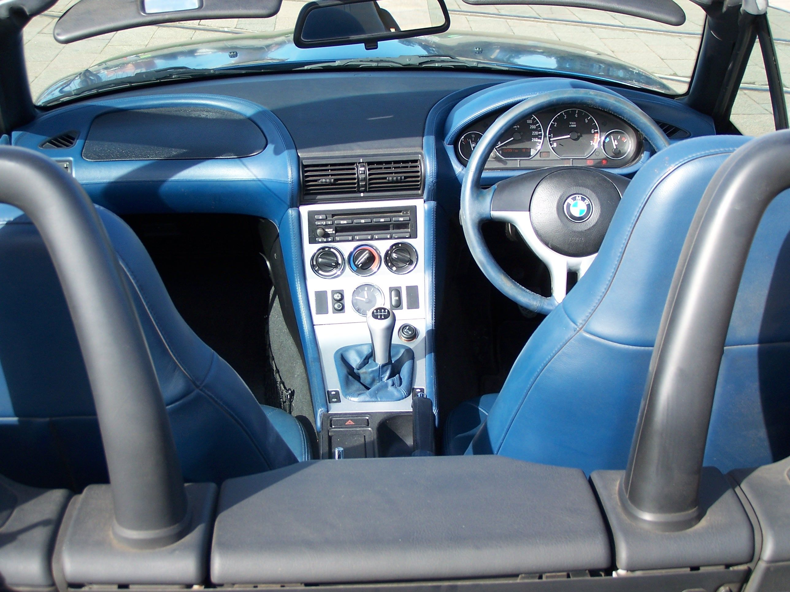 interior of our bmw z3 roadster [ 2576 x 1932 Pixel ]
