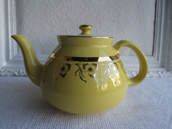 Vintage Hall New York Canary 12 Cup Tea Pot By Rt9njvintagefun 52 00 Tea Pots Vintage Tea