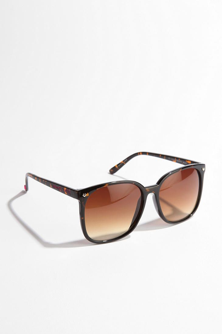 Betsey Johnson Oversized Round Sunglasses - Urban Outfitters