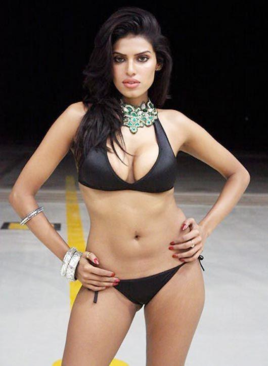Bikini khushboo photo