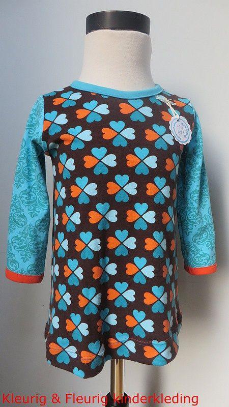 meisjeskleding, babykleding: Jurkje geluksklavertje in speciale smalle maten 68/74 en 74/80