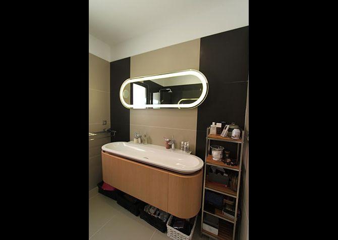 Une belle maison plain pied la rochelle salle de bain - Belle mere dans la salle de bain ...