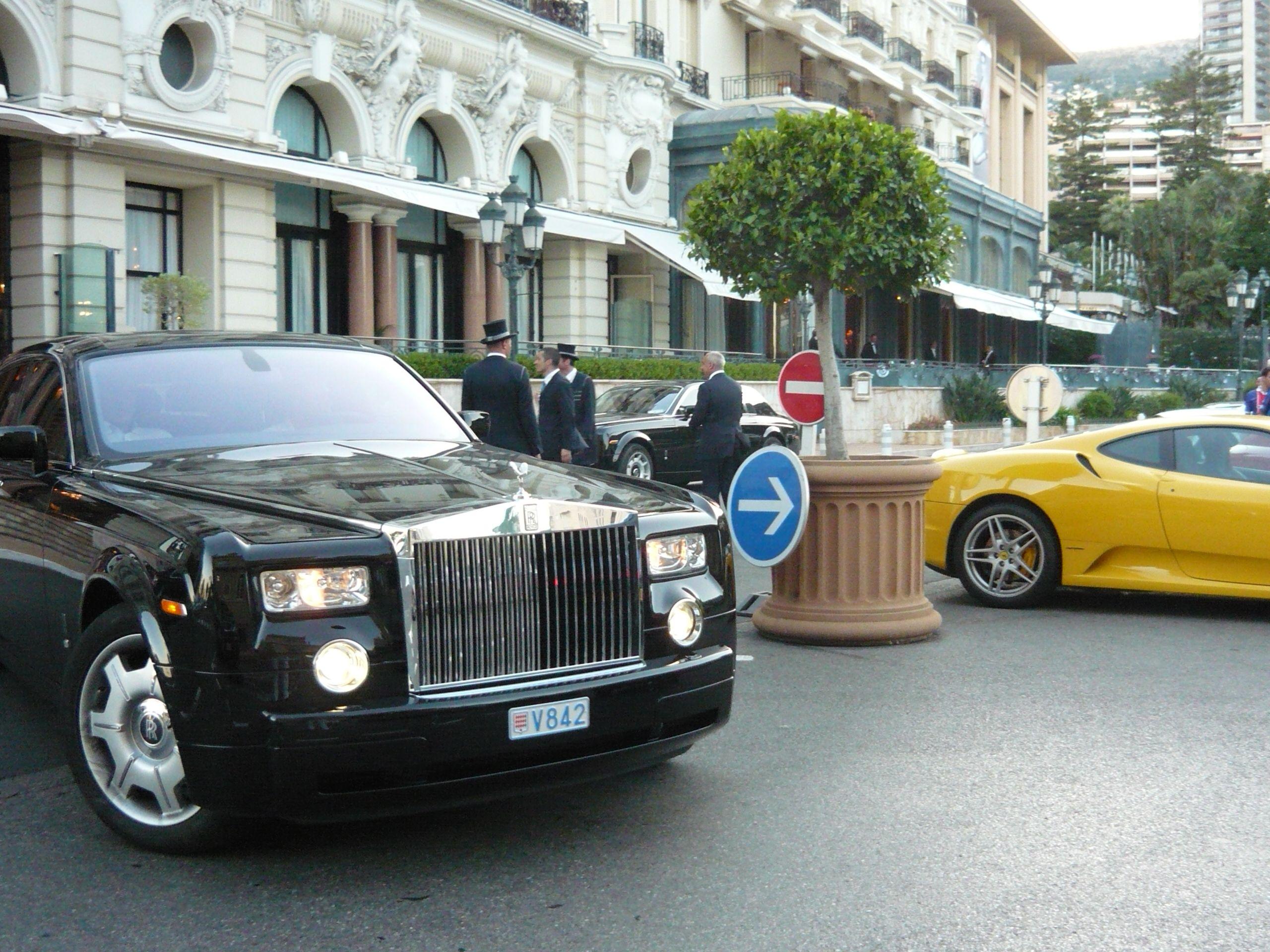Doormen Waiting For Luxury Cars To Park In Front Of Hotel De Paris In Monte Carlo Monaco Monaco Saint Martin Vesubie Villefranche Sur Mer
