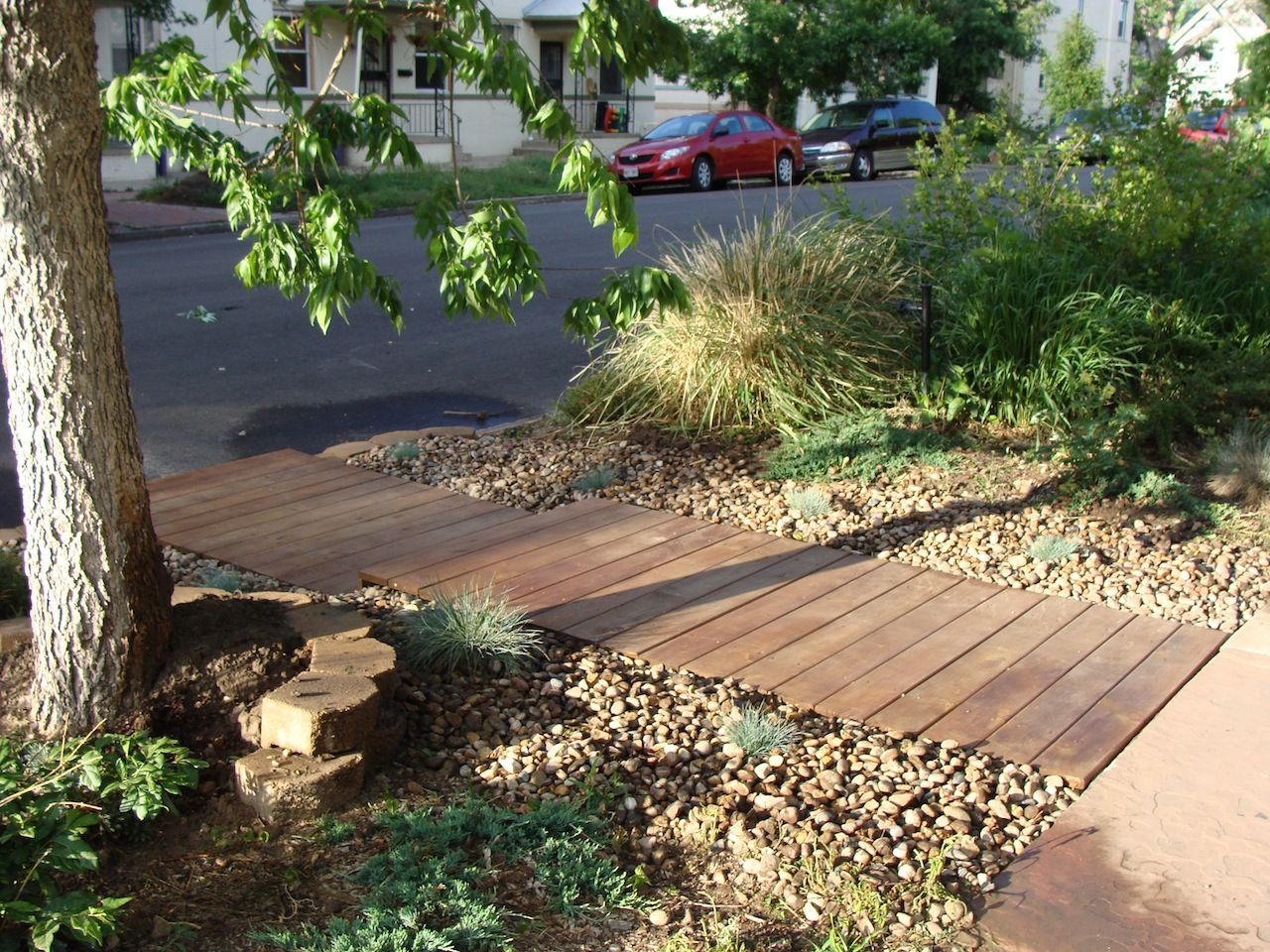 Easy to build pallet decks eco urban design landscape for Eco landscape design