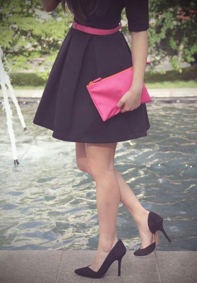 Accesorios para vestido negro con fucsia