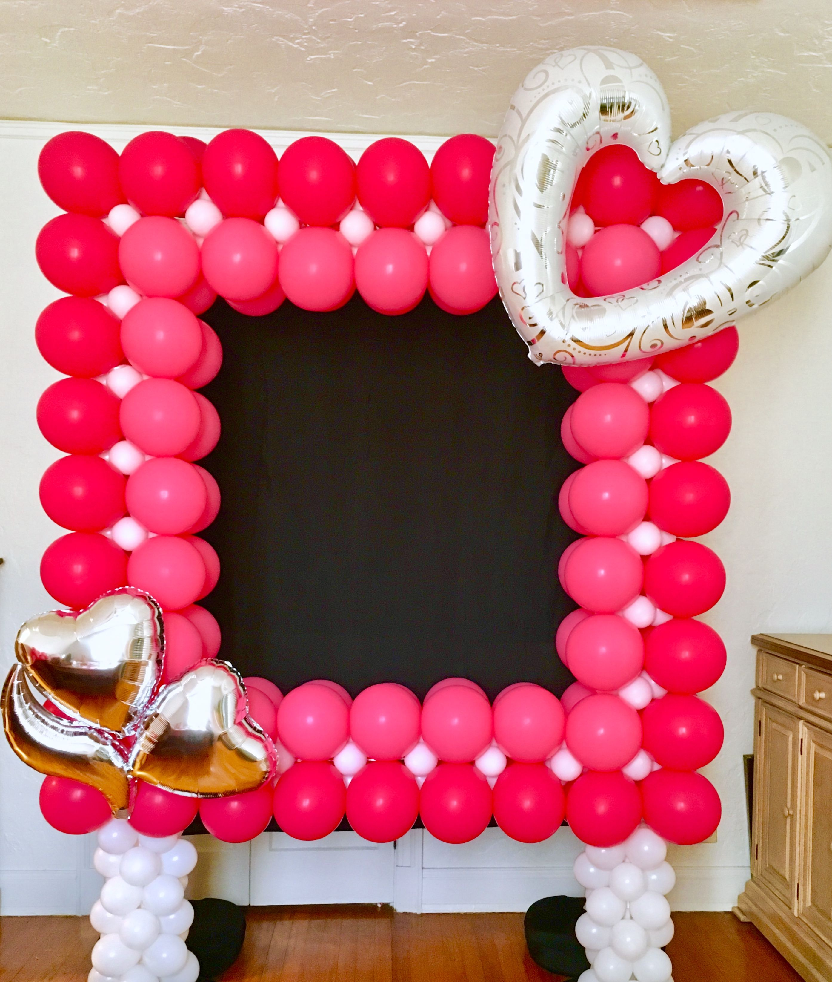 Valentines Day Photo Op Balloon Frame A cute addition to party