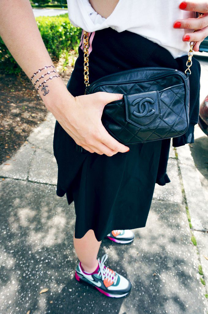 Chanel temporary tattoo, vintage Chanel bag, Nike AirMax #Nike @CHANEL #ootd #streetstyle