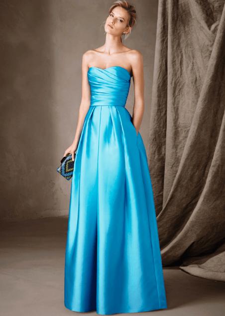 online store c547c 4fe4a Vestito azzurro | Abiti nel 2019 | Lunghi abiti da damigella ...