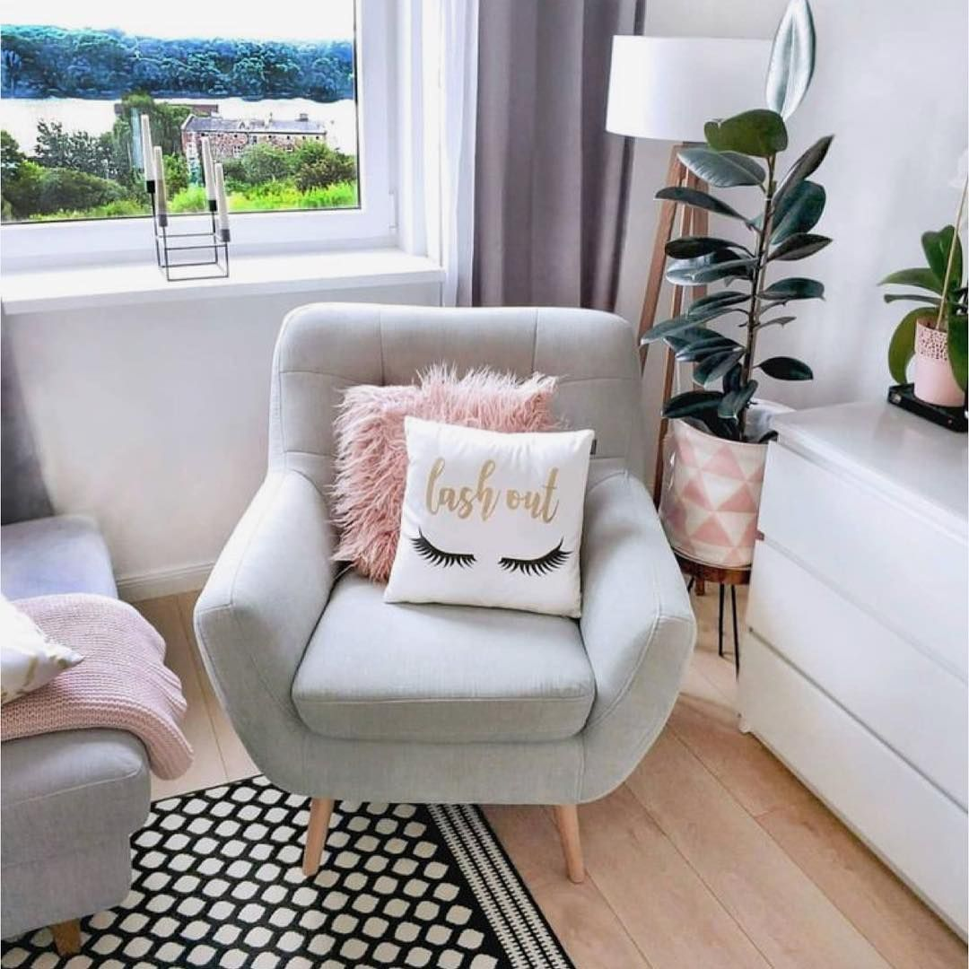 "Photo of Lash Room Decor & More! on Instagram: ""Lash Room Small waiting area ideas ✨🌟 accent chairs💕 #ebllashes #mybrandlashes #borboleta #borboletabeauty #lashstuff  #lashartist…"""