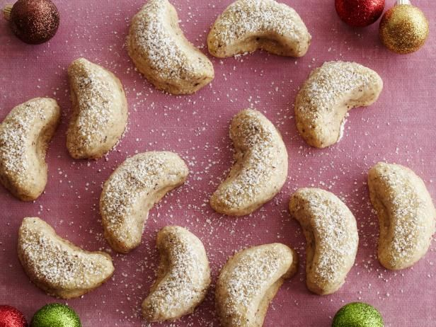Geoffrey Zakarian S Vanilla Crescents 12 Days Of Cookies Recipe