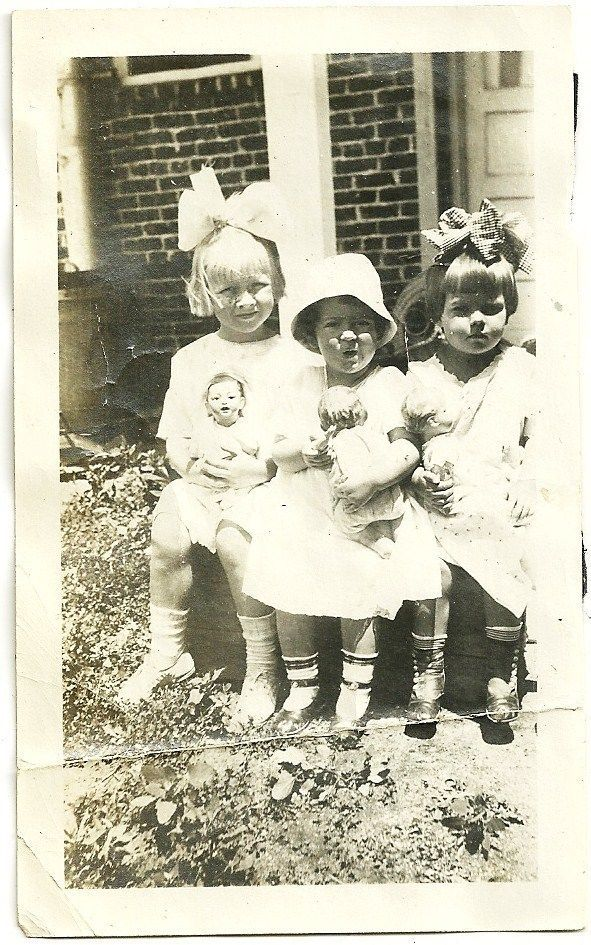 Vintage Victorian Photo Sweet Little Girls In Big Hair Bows And Hat With Dolls