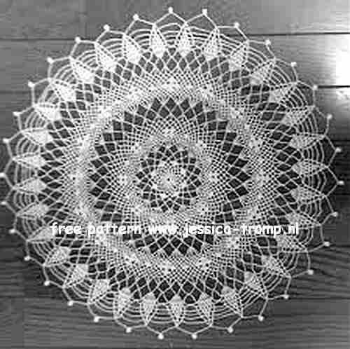 Pineapple Whirl Centerpiece doily free vintage crochet doilies ...