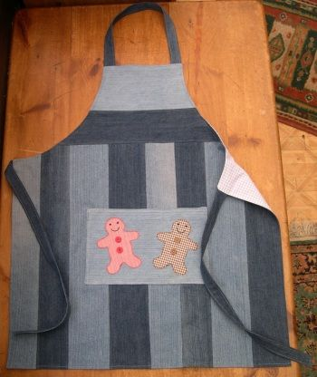 Recycled jeans apron - sew-whats-new.com