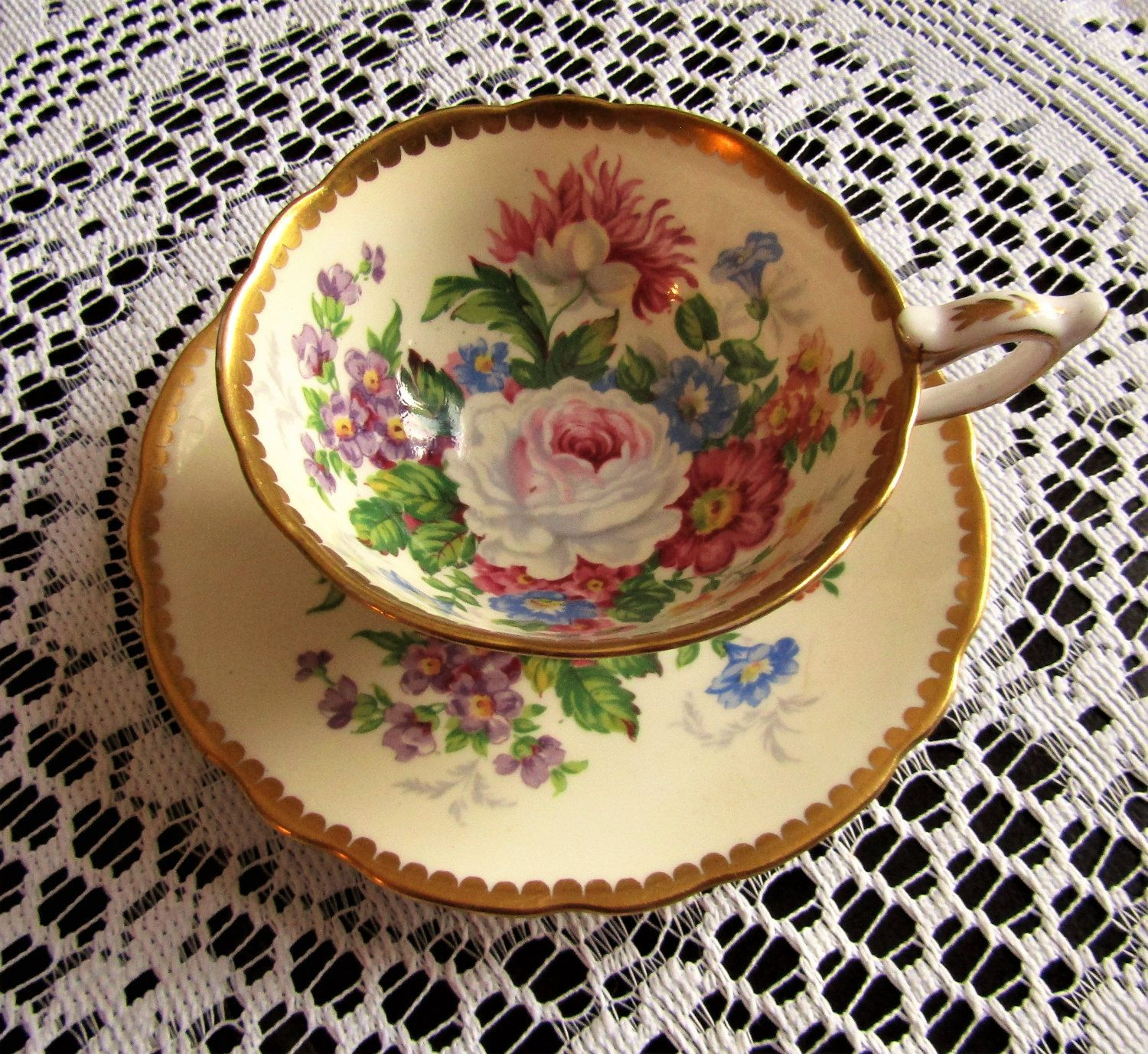 Royal albert bone china tea cup amp saucer winsome pattern ebay - Vintage Royal Stafford Bone China Tea Cup And Saucer Celebrity Made In England