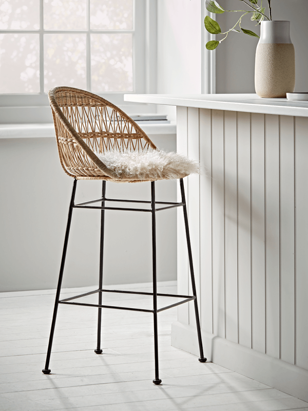 Check Out Some Of The Most Unique And Amazing Black Leather Bar Stools Wicker Counter Stools Wicker Bar Stools Modern Kitchen Stools