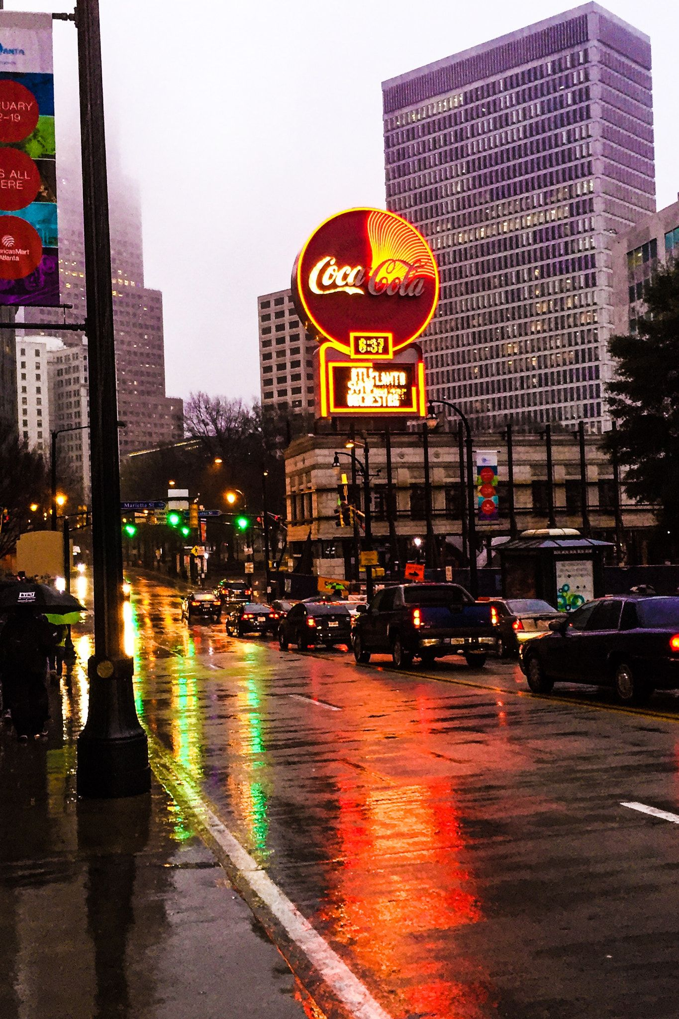 Rain Enhances The Vibrancy Of Downtown Atlanta Georgia This Morning Atlanta Georgia Downtown Atlanta City Atlanta Photography
