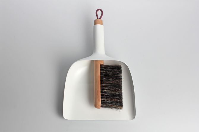 Sweeper And Dustpan By Jan Kochanski 画像あり ちりとり