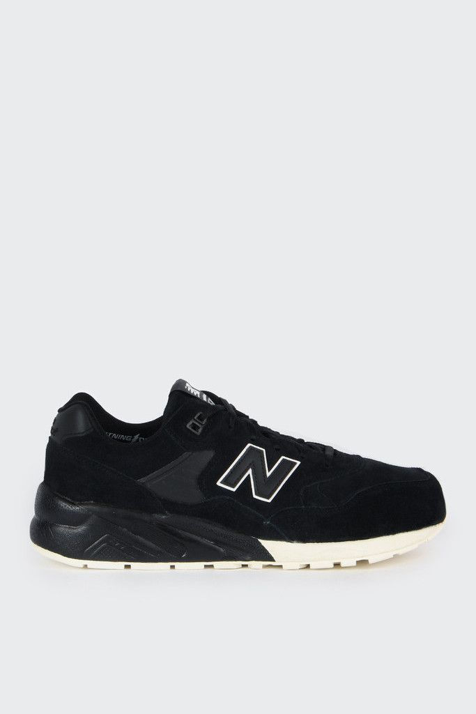 New Balance Lifestyle 580 - black/whiteFit: True to sizeMaterials: Combination upper, rubber outsoleSizing: US Mens Mens 4 = Womens 5.5Mens 5 = Womens 6.5Mens 6 = Womens 7.5Mens 7 = Womens 8.5Mens 8 = Womens 9.5- Suede upper- Lightwight REVlite midsole- White detailing on the N and tongue- IMEVA cuhsioning foam midsole- Blown rubber outsoleCode: MRT580BV
