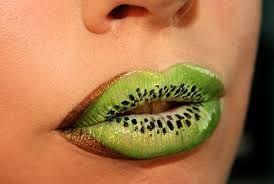 Вкусные губы 💋💋💋  #макияж #визажист #макияжгуб #красиво #креативно #вкусно #вкусныегубы #обучениевизажистов #лимон #апельсин #киви