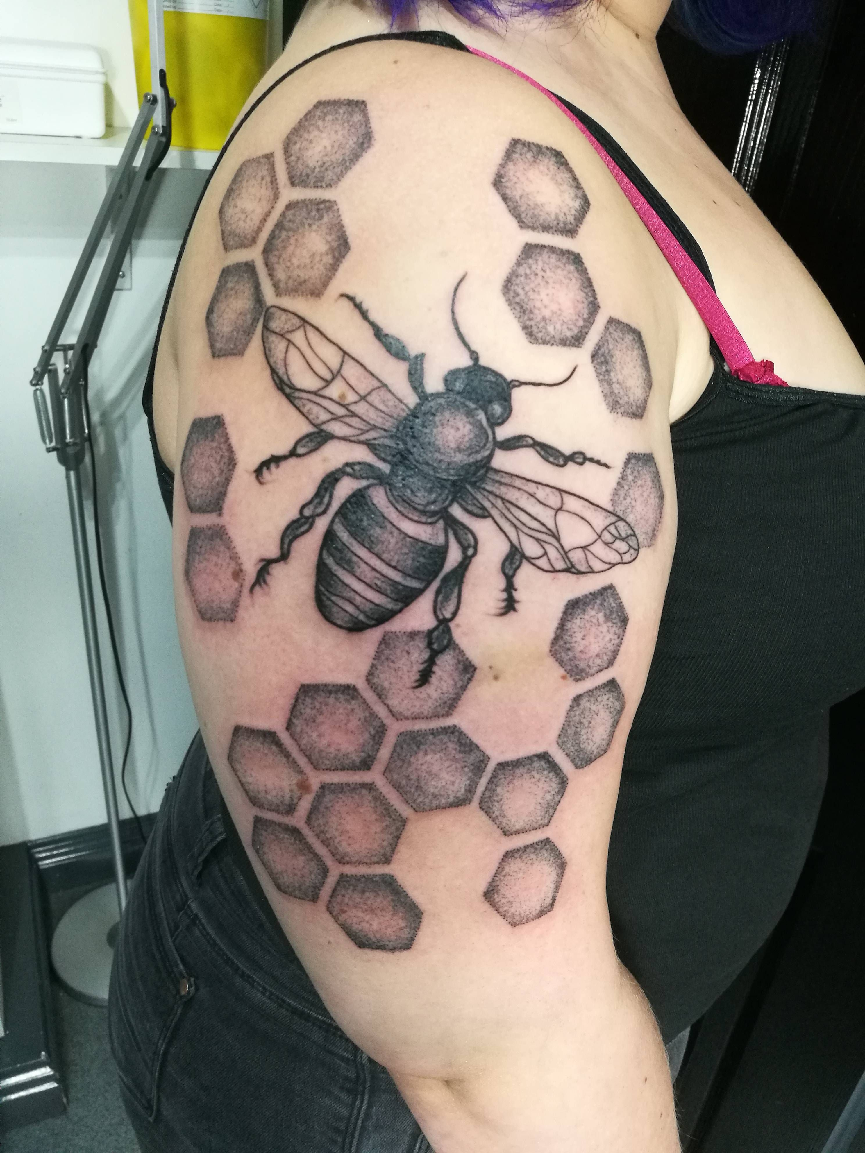 Dotwork bee by vlad at old london road tattoo in kingston