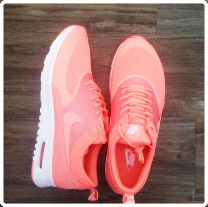 NIke Air Max Thea Apricot Koralle Neon Pink Orange Lachs