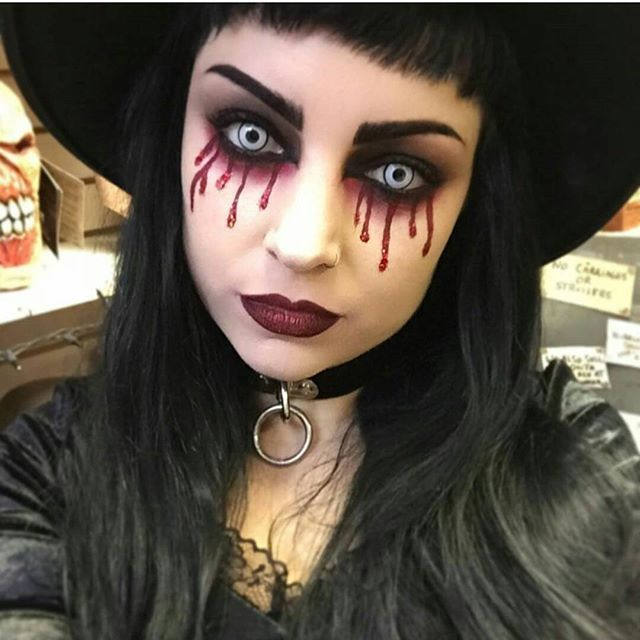 Awesome Goth makeup. Sexy, beautiful, dark, and chilling. The best of all worl…..