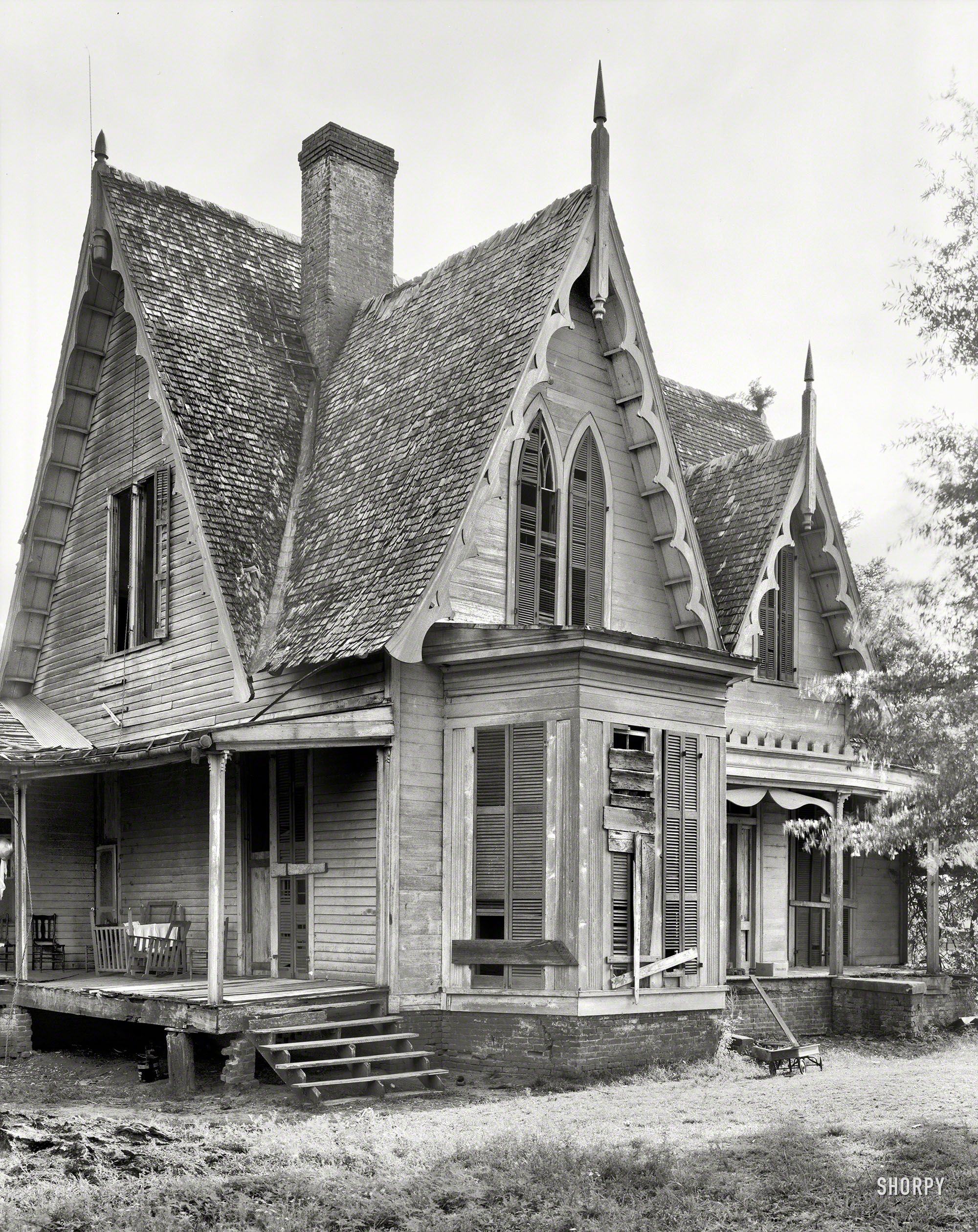 Shorpy historical photo archive 1939 knight house for Gothic revival home