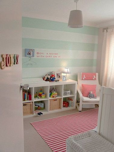 idee peinture rayrues vert deau pour une chambre bebe fille ...