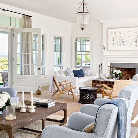 See How Victoria Hagen Preserved The New England Charm Of Her Nantucket Getaway Coastal Style Living Room Nantucket Home Coastal Living Rooms