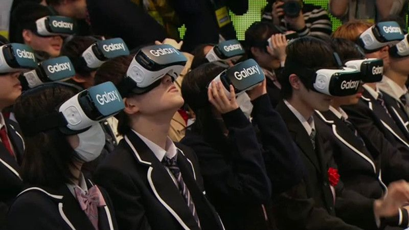 aa307b4fac3b Japanese Students Wear  VR Headsets at School Ceremony