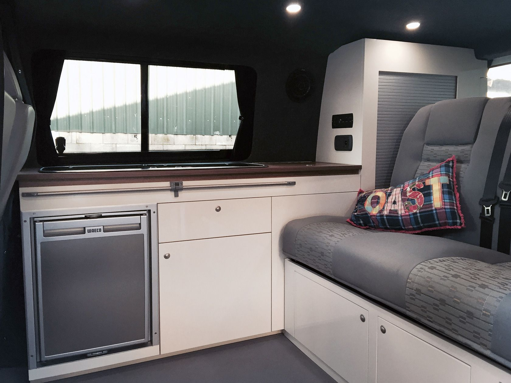 Vw t5 swb camper van interior interior vans pinterest for Campervan interior designs