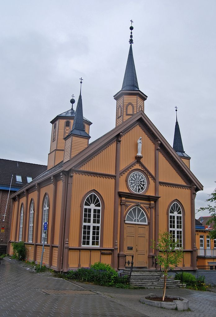 "https://flic.kr/p/55iEgf   ""Our Lady"" catholic church, Tromsø   ""Vår Frue"" katolske kirke, Tromsø. Bygd i 1861. ""Our Lady"" catholic church, Tromsø, Norway. Built in 1861."