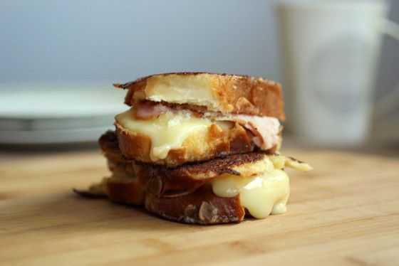 Ham and Cheese Stuffed French Toast / VINTAGE KITCHEN