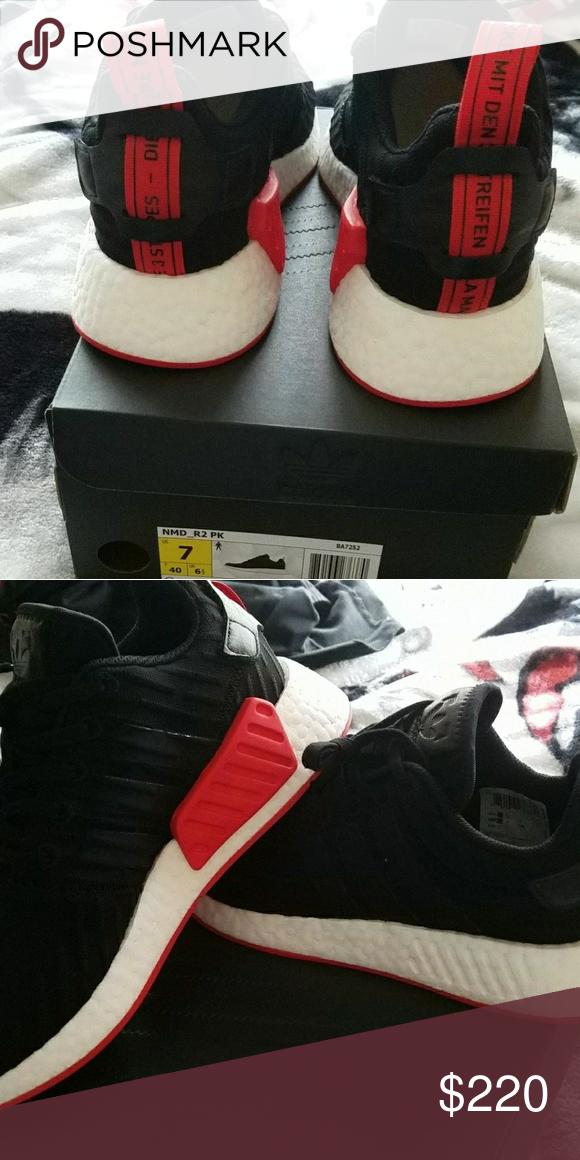 adidas nmd bianco e nero, con fondo rosso numero 7 scarpe