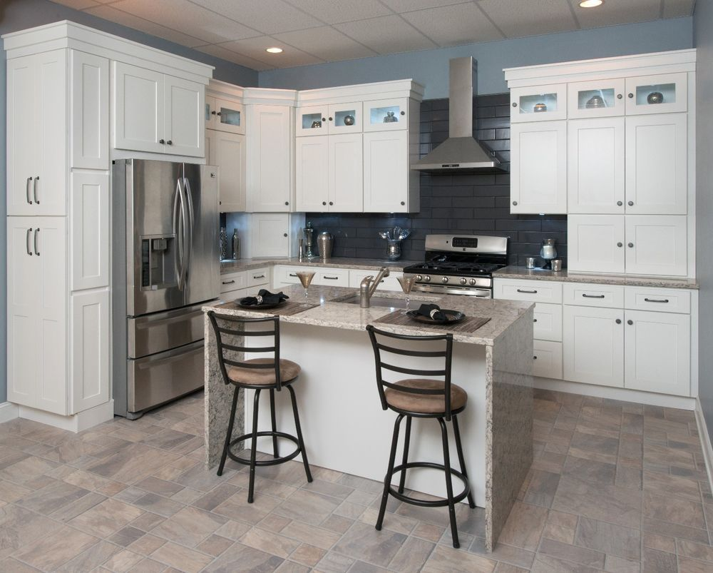 10 X 10 Premium Contemporary White Shaker Rta Kitchen Cabinets And Vanities Valuebuild White Shaker Kitchen Kitchen Cabinet Styles Shaker Kitchen Cabinets